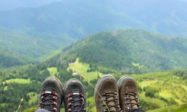 Você sabe como escolher um calçado para fazer trilha?