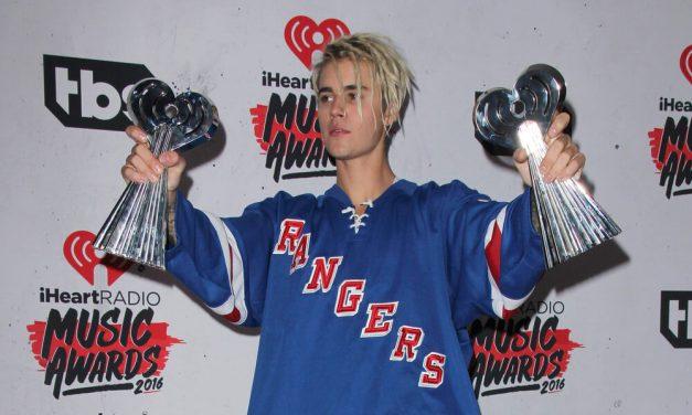 Saiba por que o cantor Justin Bieber virou referência em moda street