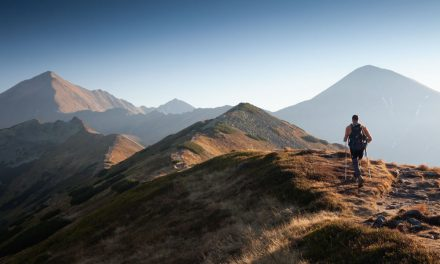 Pensando em praticar hiking? Saiba o fundamental para começar!