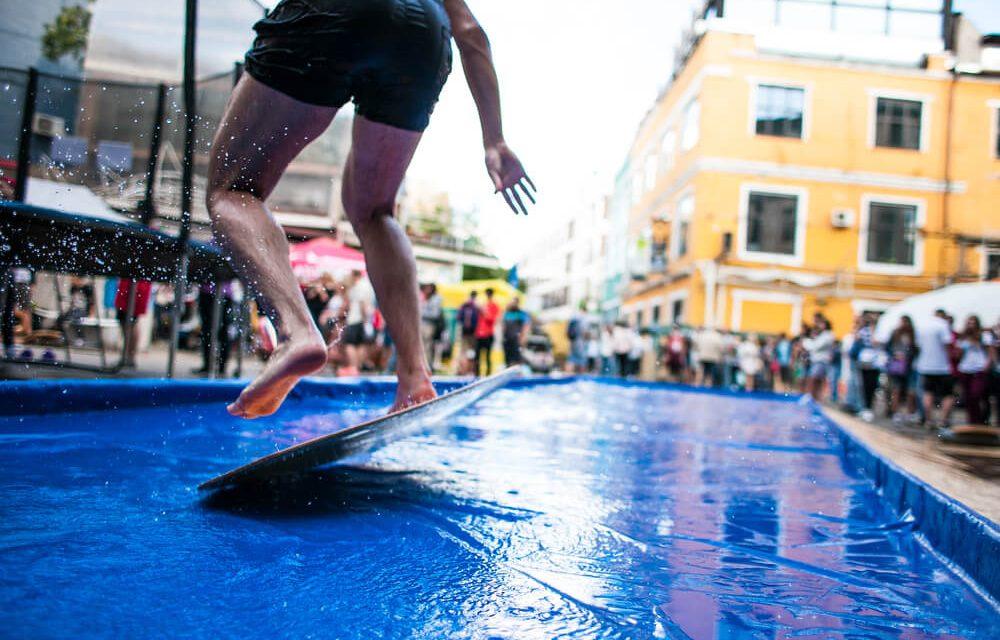 Skimboard  aprenda o esporte que mistura surf e skate 5f57ad0a66
